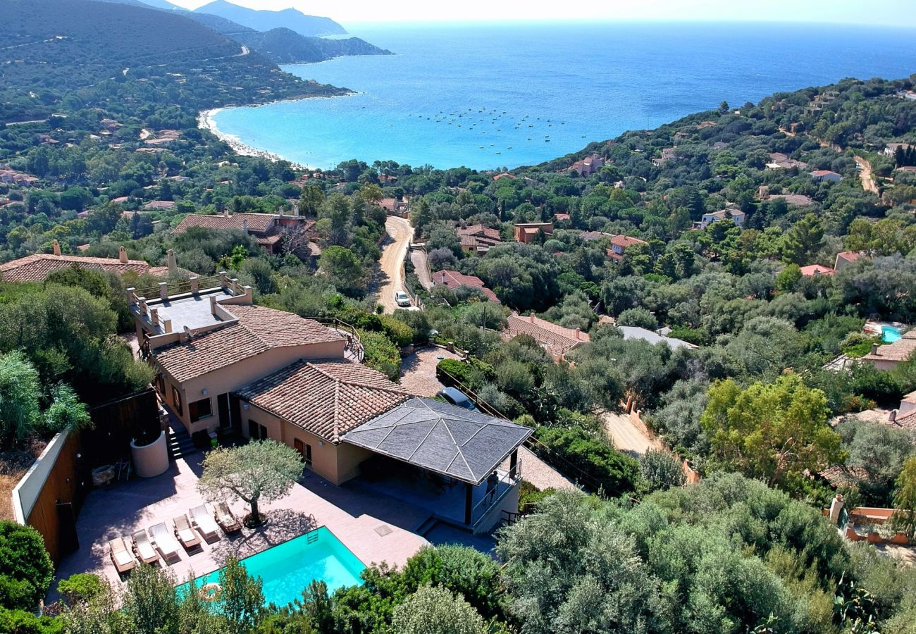Villa à Maracalagonis - Panoramic villa with pool to rent in Sardinia