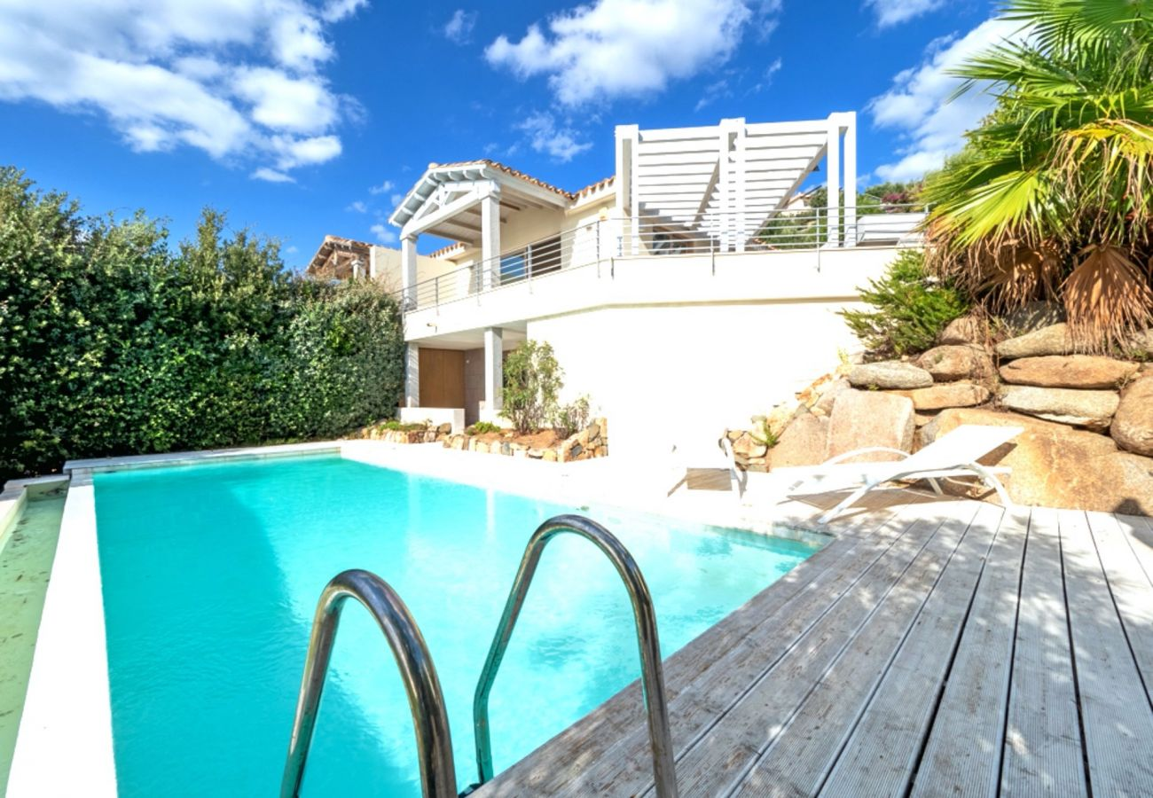 Villa à Quartu Sant´Elena - Holiday rental with pool and sea views in Sardinia