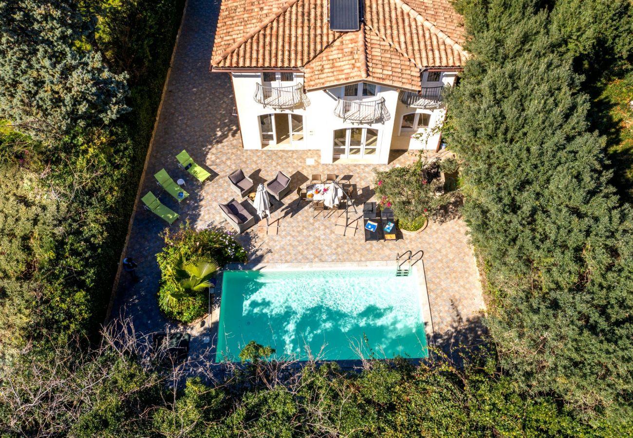 villas avec piscine à louer en Sardaigne