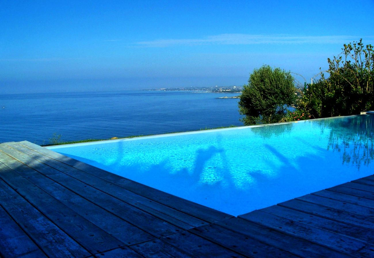 Villa a Quartu Sant´Elena - Holiday rental with pool and sea views in Sardinia