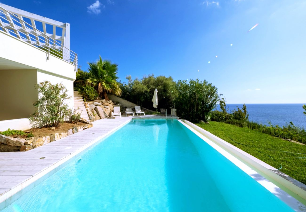 Villa in Quartu Sant´Elena - Holiday rental with pool and sea views in Sardinia