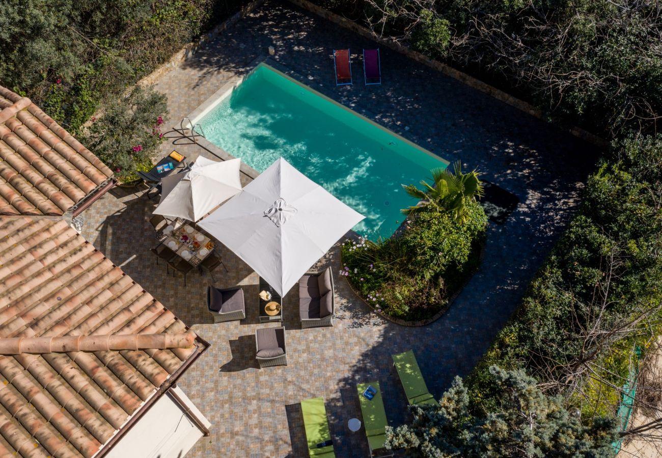 Villas with pool in Sardinia