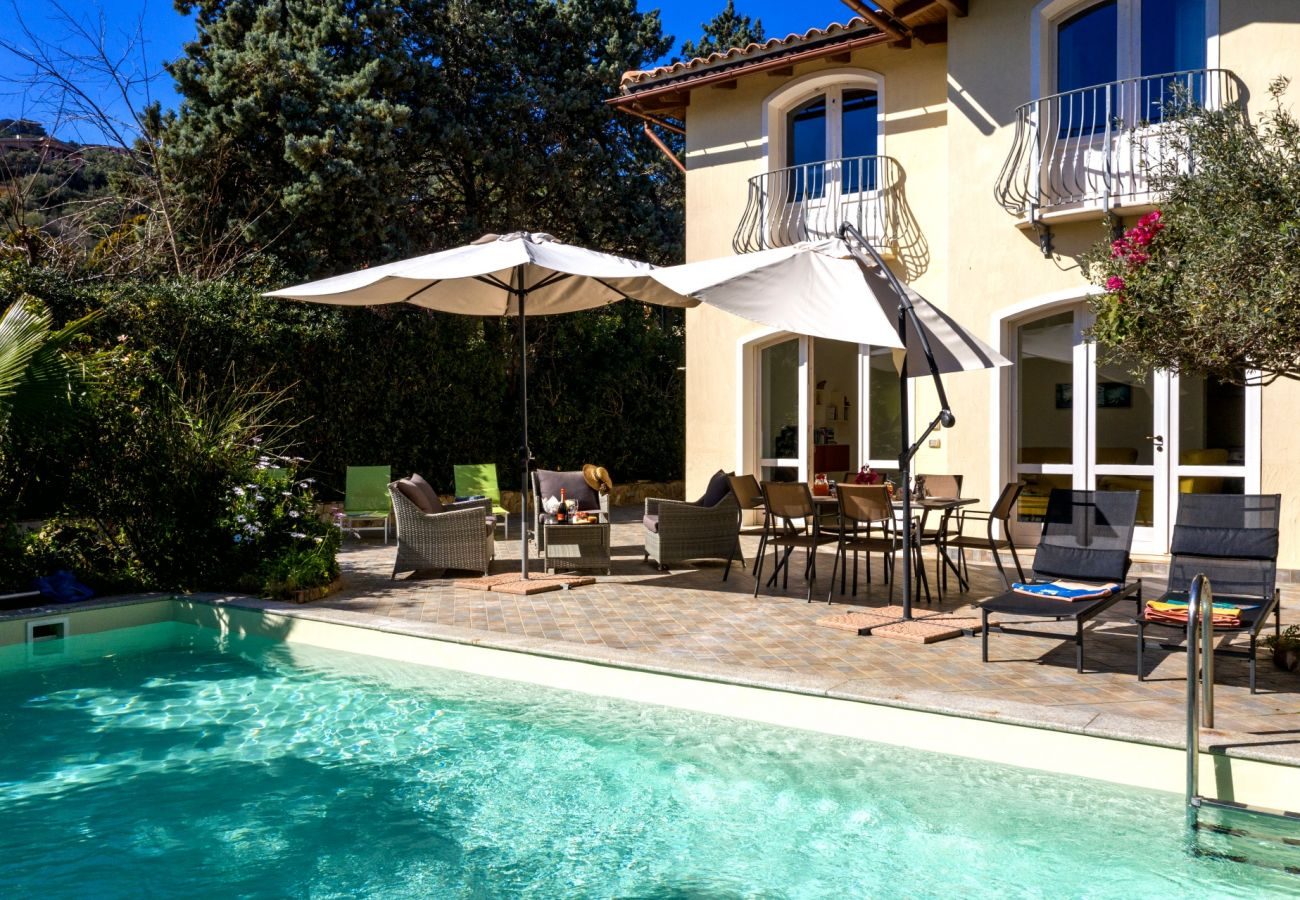 Homes to rent in Sardinia