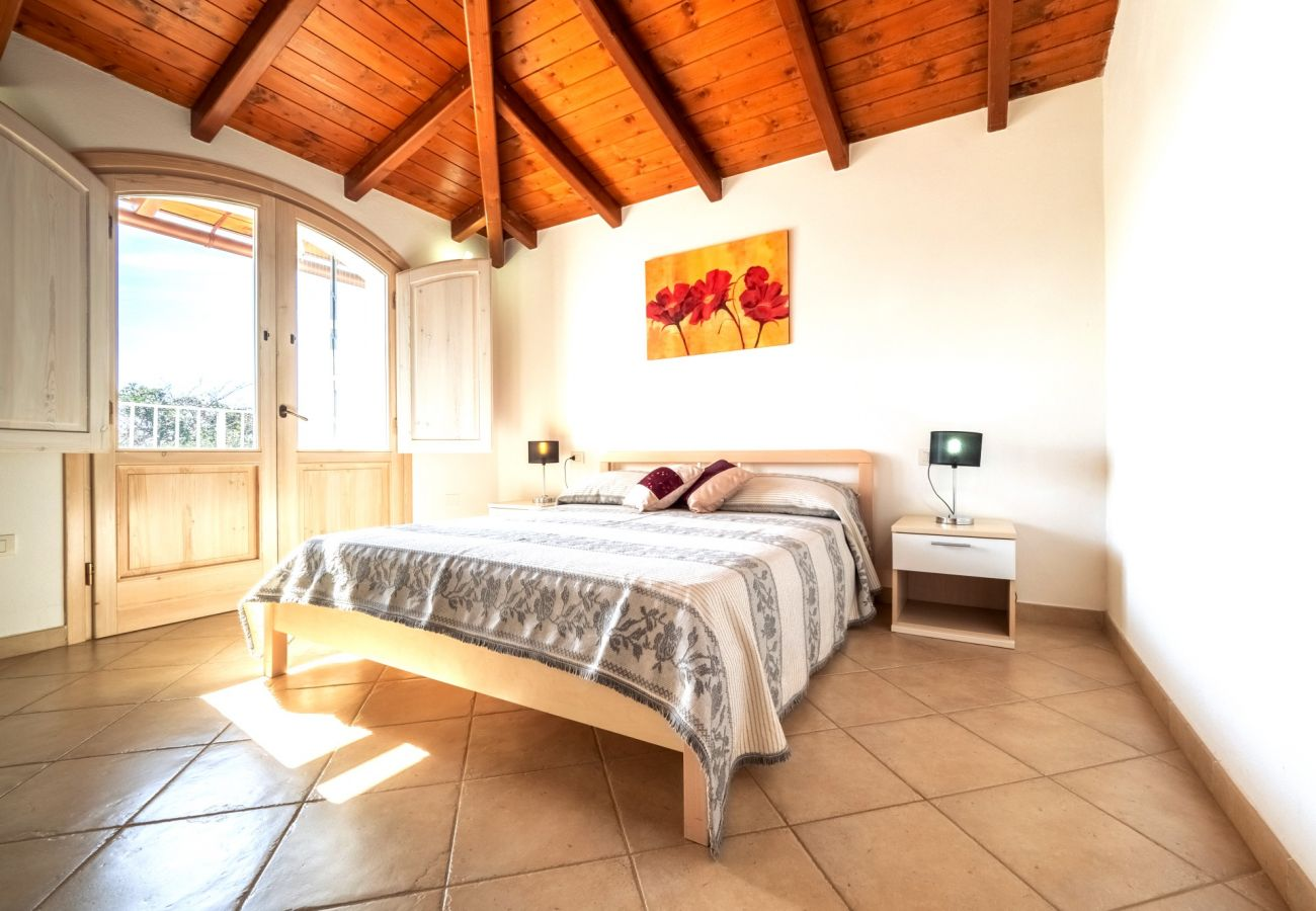 Villa in Maracalagonis - Holiday villa with pool in Torre delle Stelle