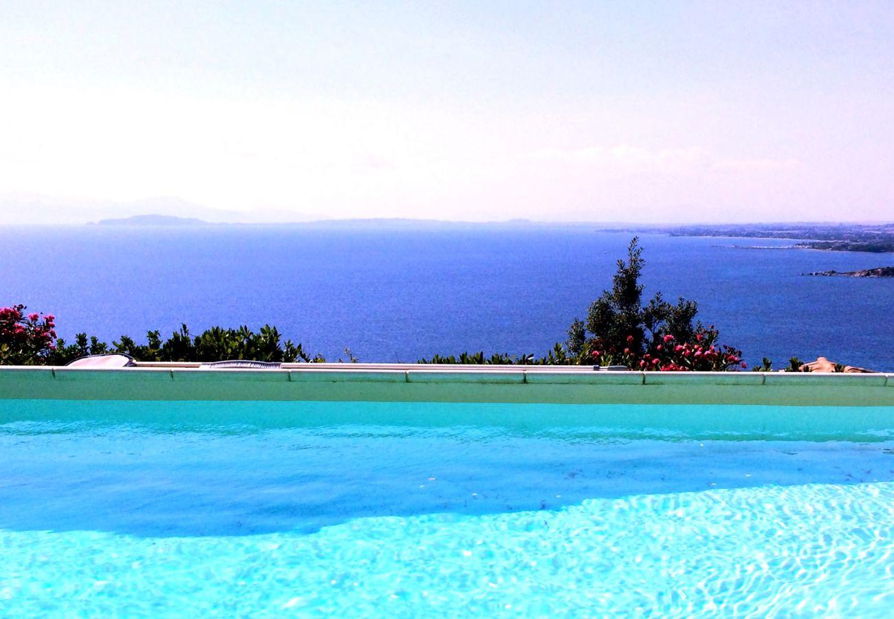 Villa in Quartu Sant´Elena - Sardinia villa with pool and sea views to rent