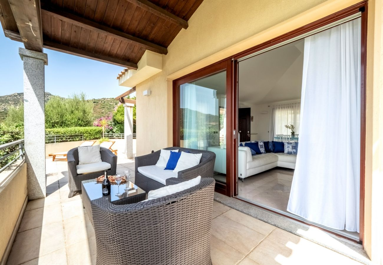Villa in Quartu Sant´Elena - Holiday home with pool to rent in South Sardinia